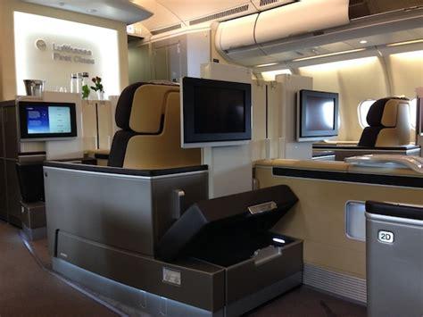 amazing lufthansa class service baggage handling