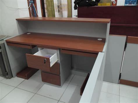 Meja Resepsionis Kantor jual meja resepsionis 2 tingkat dengan 2 meja keyboard