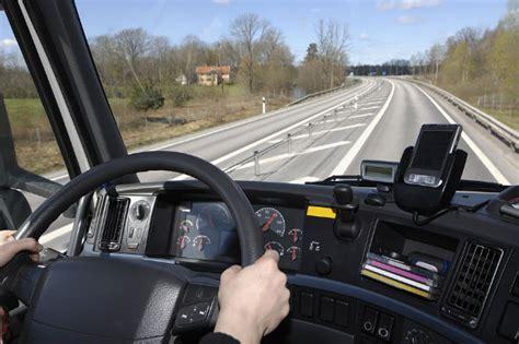 oficina de empleo algeciras 25 conductores de cami 243 n algeciras huelva y viator