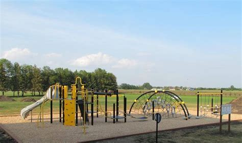 Landscape Structures Inc Swing Prairie Dale School Featuring A Playbooster Netplex Evos