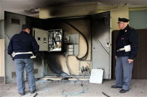 uffici eni a torino attentato incendiario agli uffici eni perquisizioni in