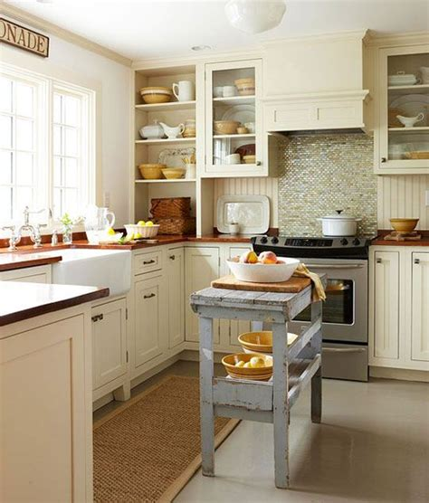 kitchen islands in small kitchens 25 best ideas about small kitchen islands on pinterest