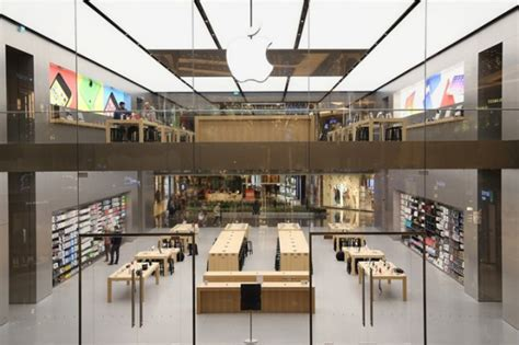 design apple store the evolution of apple store s continue studio em