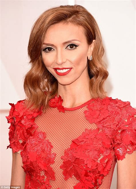 giuliana rancic ignored warnings about racist comments on fashion giuliana rancic apologizes for racist comments about