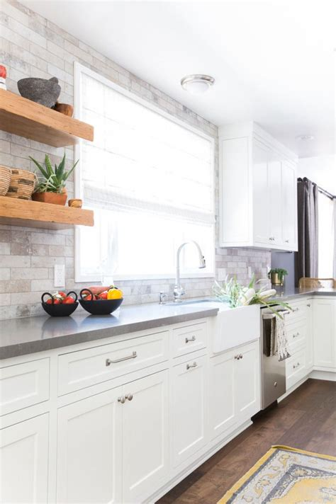backsplash for white kitchen cabinets a serene california cottage in studio city home style
