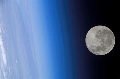 Lunar L by File Moon On Earth Horizon Jpg Wikimedia Commons