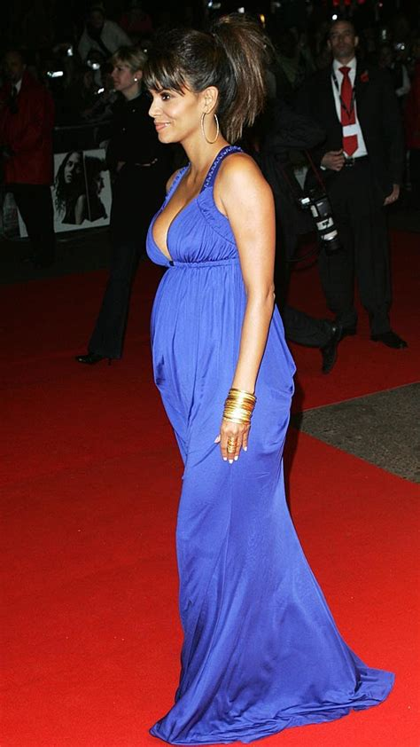 Best Maternity Style Halle Berry by Halle Berry Style Breakdown What S Right What S Wrong