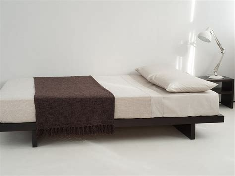 Platform Bed Uk Low Platform Beds Home Design Ideas