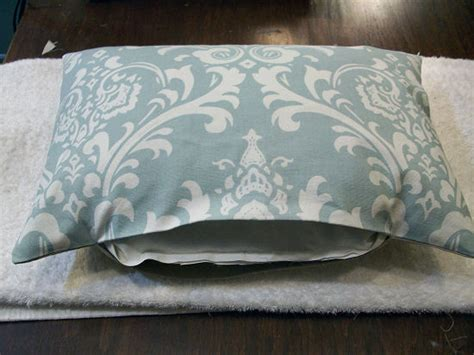 How To Sew A Decorative Pillow by How To Sew A Basic Throw Pillow Decorative Cushion