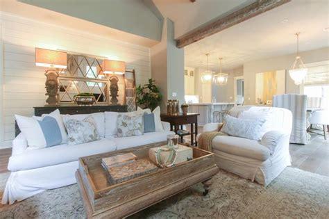 Grand Design Ideas   Spacious Living Room Page