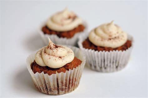 Nomnom Baby Cookies Non Gluten Non Gula Non Salt Salmon vegan maple carrot cake cupcakes