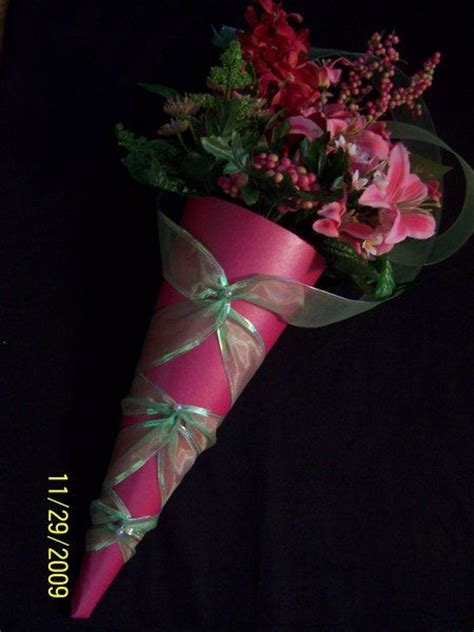 paper cones for wedding flowers paper cones are an easy and affordable way to present