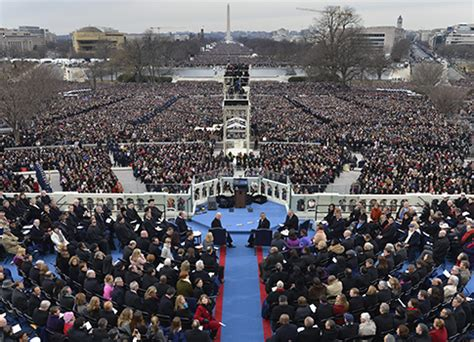 picture of inauguration crowd obama sitting for his official portrait interestingasfuck