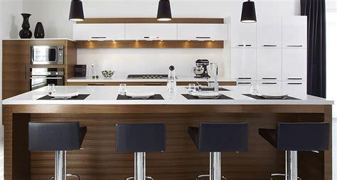 comptoir de c駻amique cuisine pin ilot de cuisine avec comptoir bar une atmosph 232 re tr 232 s
