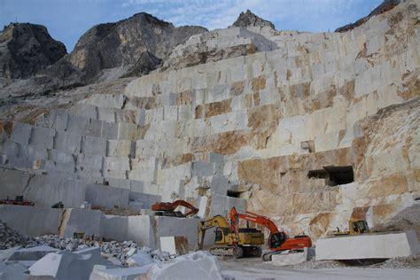 Carrara Marble Kitchen Backsplash 2012 10 22 Carrara Marble Quarries Badger Beaver Adventures