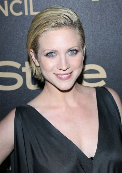 brittany snow  short hair short wet  hairstyle