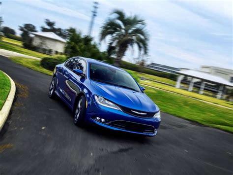 2012 chrysler 200 safety rating 2015 chrysler 200 earn top safety rating autobytel