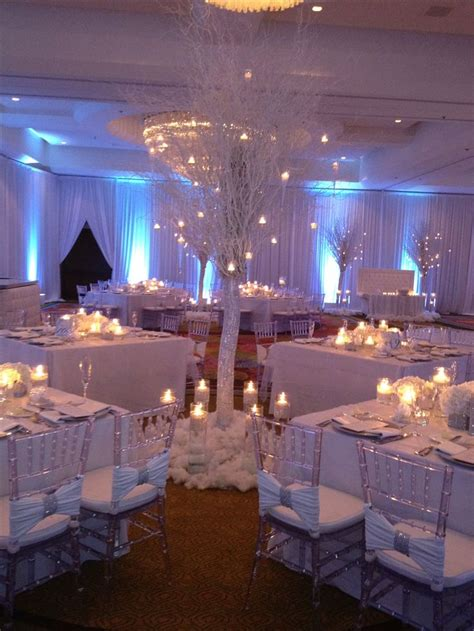 winter themed wedding centerpieces 25 best ideas about winter wedding on