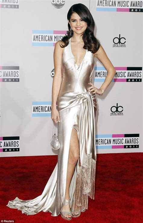 Trendwatch Sparkle In Silver Dresses At The Amas by The Dramatics Of A Fashion Pr All That Glitters Is Gold