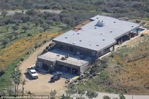 Bruce Jenner House by Inside Bruce Jenner S Secluded 3 5m Malibu Home Daily