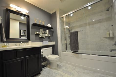 Mid Wilshire West Hollywood Condo Master Bathroom