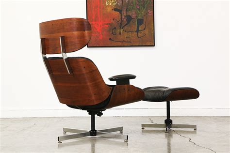 Mid Century Leather Lounge Chair by Mid Century Leather Lounge Chair By Plycraft Vintage