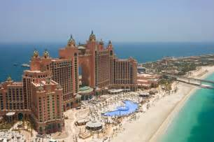 hotel atlantis the building of palm jumeirah live a life of luxury