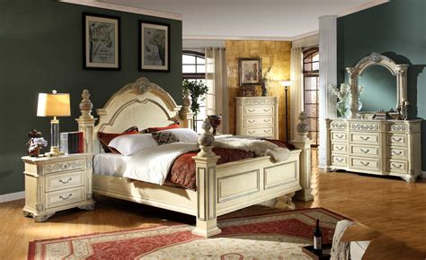 Antique White Master Bedroom Furniture by Antique White Solid Wood Master Bedroom Set The