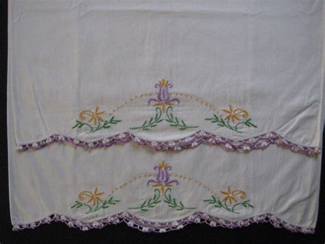Embroidered Pillow Cases by Vintage Pillowcase Set Embroidery Pillow