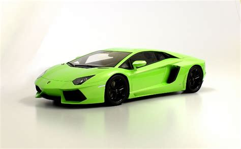 Light Green Lamborghini Lamborghini Aventador In Light Green 1 12 By Kyosho Resin