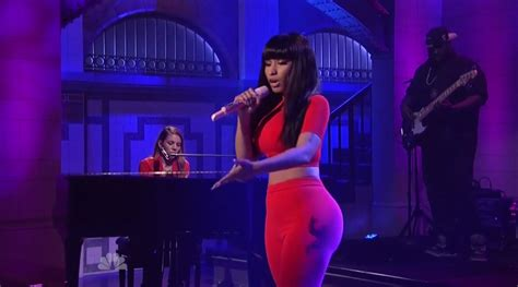 Bed Snl by Nicki Minaj Quot Bed Of Lies Quot Snl Glappitnova