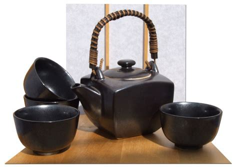 Contemporary Japanese tea set in metallic black with 4 cups