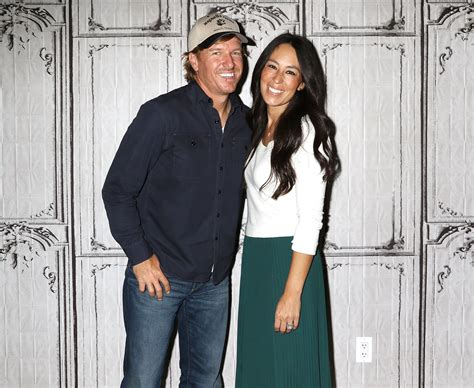 cast of fixer upper fixer upper star chip gaines speaks out against fraud