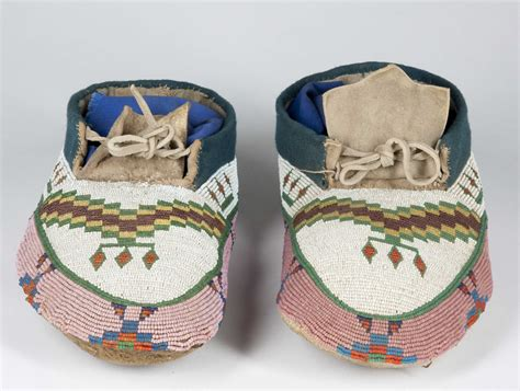 how to bead moccasins american beaded moccasins