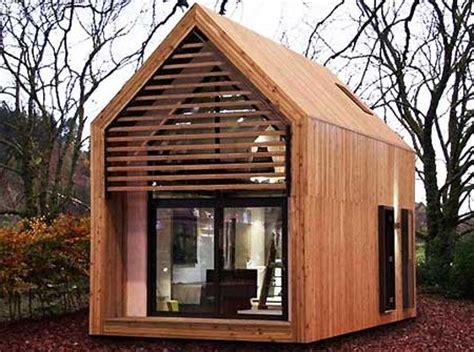 Small House Building Kits Uk Piccola Casa Prefabbricata In Legno Dwelle Prezzi Tra I