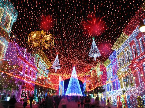 dancing lights of christmas osborne family spectacle of dancing lights at hollywood