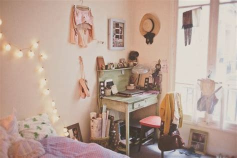 how to decorate the walls of your bedroom 17 best images about uni room ideas on pinterest pastel bedroom makeup storage and