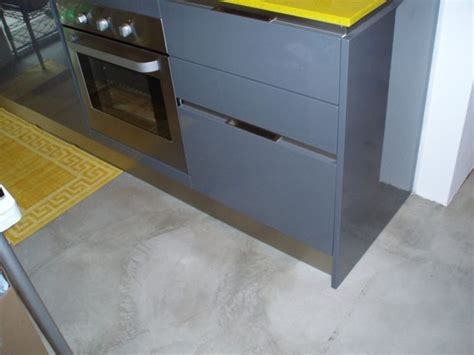 cemento pavimenti interni 17 migliori idee su pavimenti in cemento su