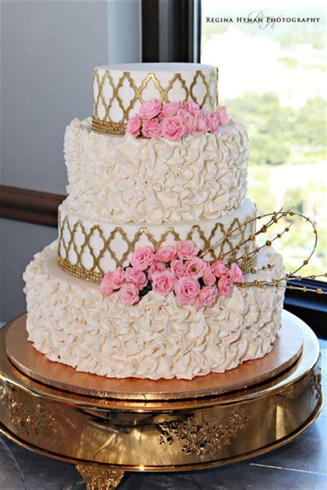 Flowered Wedding Cakes by Cut The Cake Orlando Fl Wedding Cake