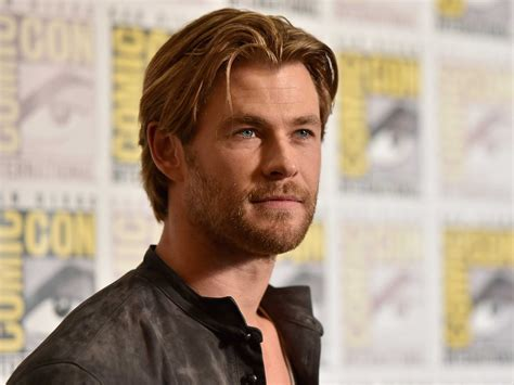 best looking man of 2014 chris hemsworth named people magazine s sexiest man alive