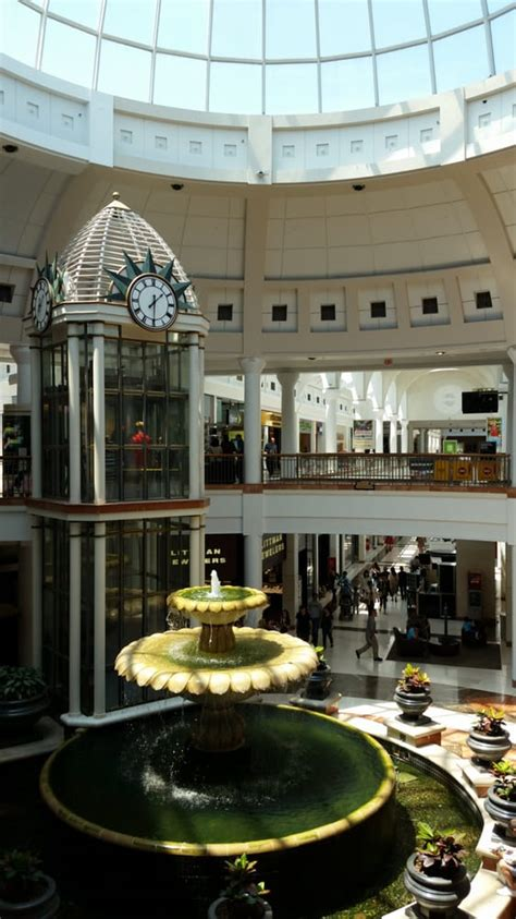menlo park mall   shopping centers edison