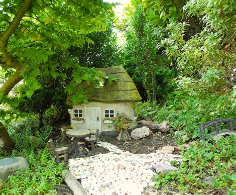 Garden Houses by How To Install Mini And Houses In Your Miniature