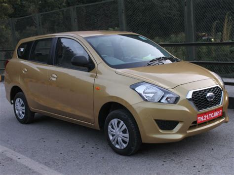 datsun india commences booking of go compact mpv drivespark news