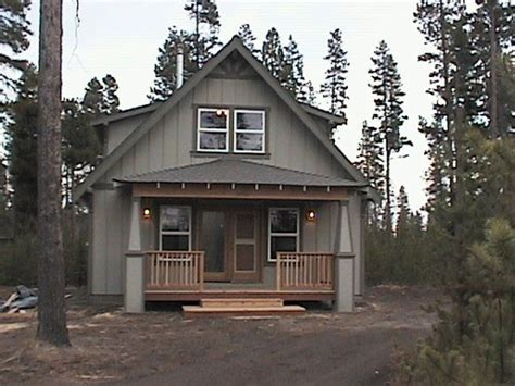 1000 ideas about cabin exterior colors on rustic cottage cottage exterior and navy