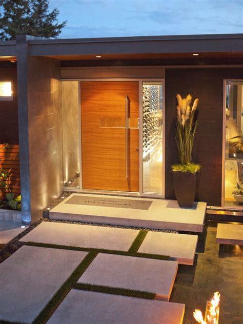 lovely Front Door Entrance Decorating Ideas #5: Front-Door-Entryway-decor_14.jpg