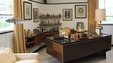 An Inside Look at Walt Disney?s Renovated Office Suite Nerdist