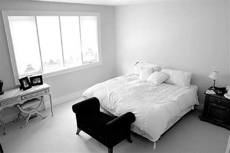 decorate bedroom walls how to decorate a bedroom with white walls