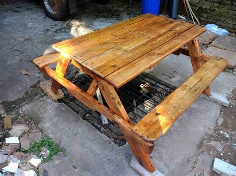 17 helpful tips before painting wooden pallets pallet ideas 1001 pallets need to and pallets pallet children s picnic table for ten bucks 1001 pallets