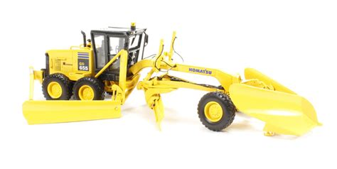 Best Seller Premium 1 50 Komatsu Gd655 Motor Grader Diecast hattons co uk gear 50 3063 komatsu gd655 motor grader with v plow wing