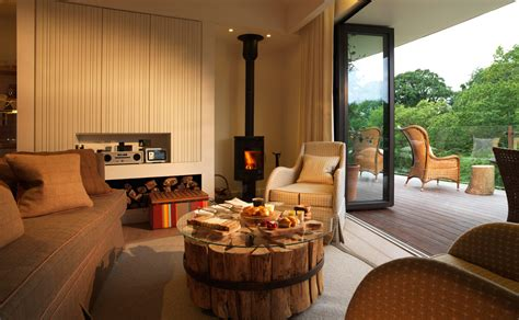 houses with in suites chewton glen s treehouse suites nuvo
